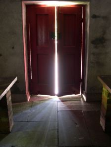 porta fechando
